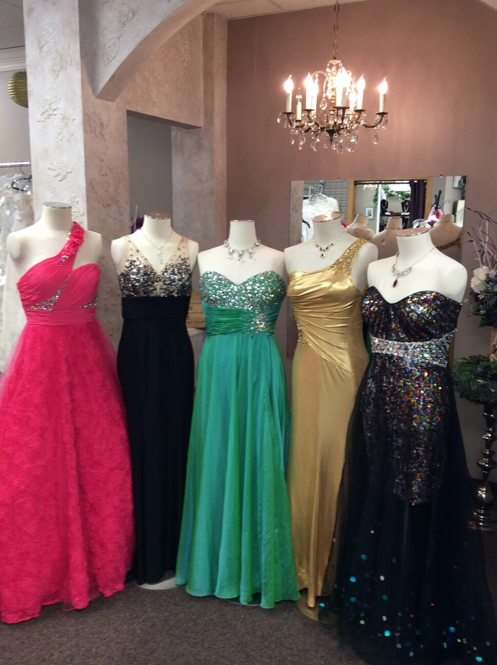 Prom dresses stores dress home for Wedding dress shops in mn