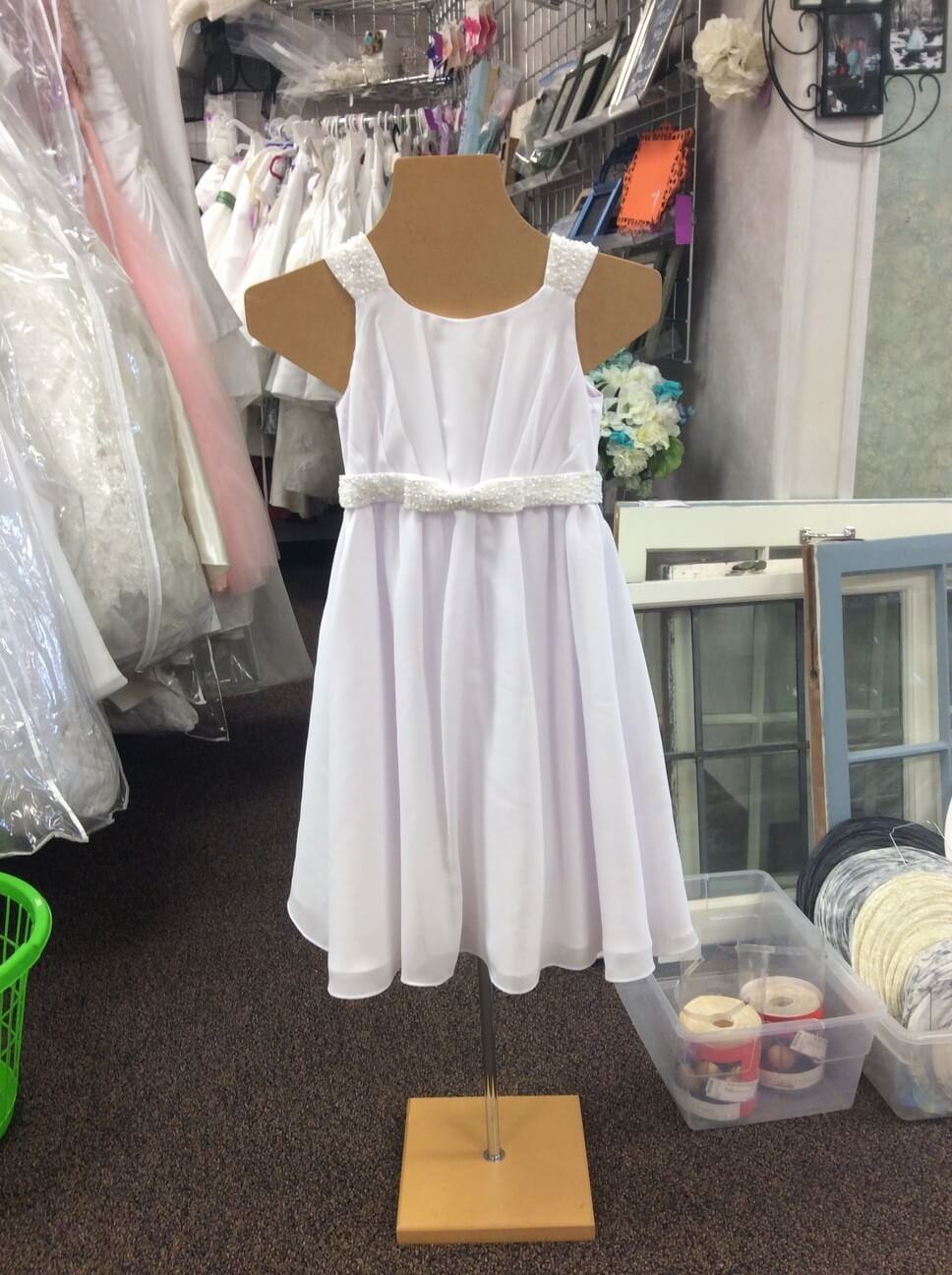 Consignment wedding dresses duluth mn mini bridal for Off the rack wedding dresses near me